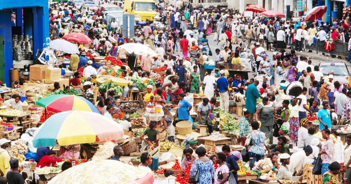 Ministry to tackle foreign petty traders