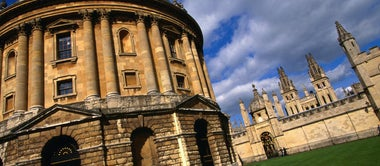 The Oxford versus Cambridge Gloat Race