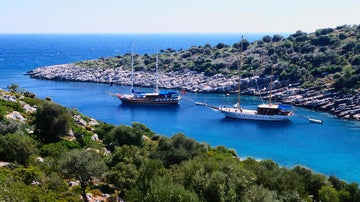 Travel literature review: Turkish Coast (through writers' eyes)