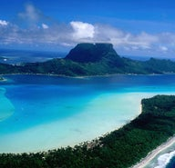Island hopping in French Polynesia