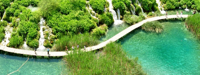 Plitvice Lakes National Park by jvcaff