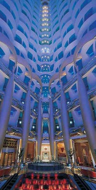 Dubai lonely planet for Best place to stay in dubai