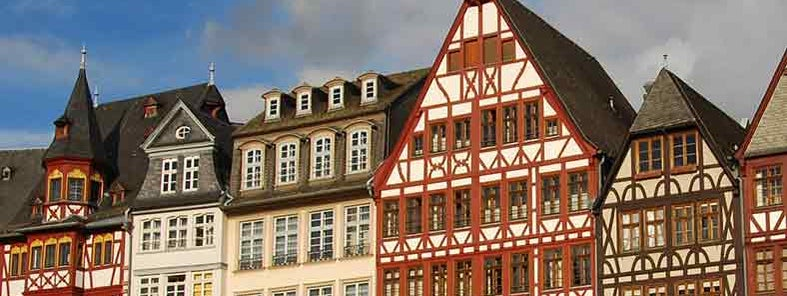 Romerberg Platz_Frankfurt by Rob Deutscher