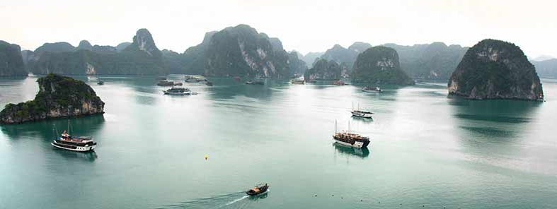 Halong Bay by Lawrence Murray