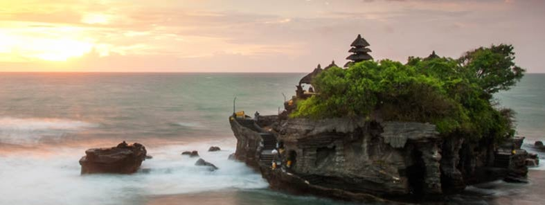 Tanah Lot by Justine Hong