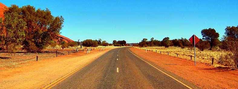 Outback road trip by Joan Campderrós-i-Canas