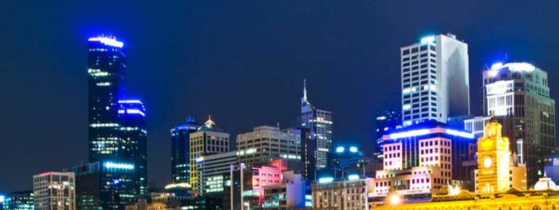 Melbourne, Australia by night by Hai Linh Truong
