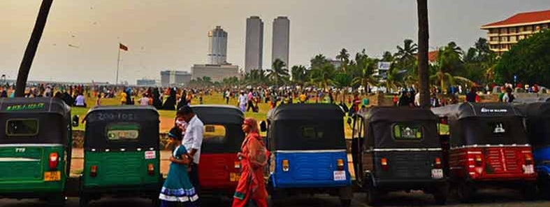 Galle Face Green on Poya Day by Vassilis