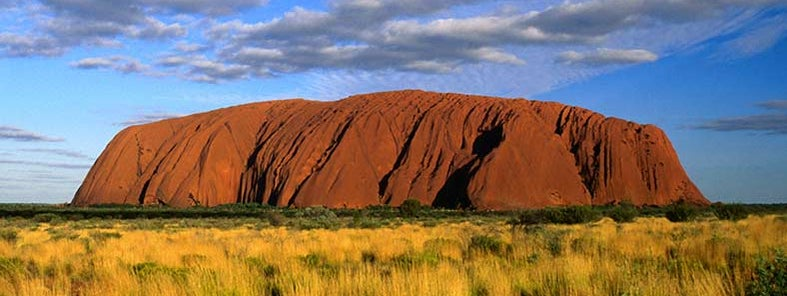 Uluru (Ayers Rock) by Juliet Coombe / Lonely Planet Images