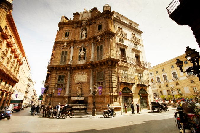 Baroque building on Quattro Canti intersection, Palermo, Italy