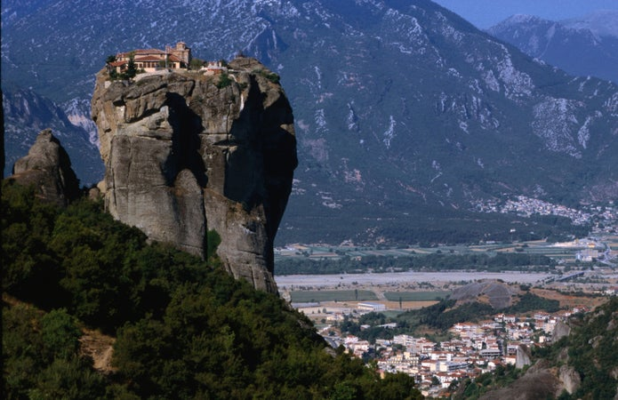 how to get to meteora greece